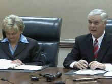 Easley, Perdue at Council of State meeting