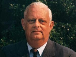 Roy Hardee, a journalist who chronicled the news of eastern North Carolina for more than 50 years through words, pictures and film, died early April 1, 2010. He was 79.