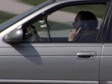 Legislation requiring hands-free phones while driving gains steam