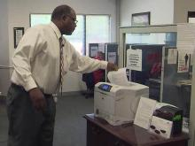 Lawmakers look to tie jobless benefits to community service