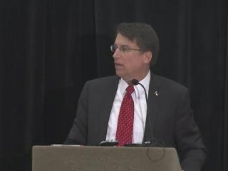 McCrory speaks to county commissioners
