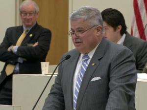 Sen. Tom Apodaca berates the House over changes to S10.