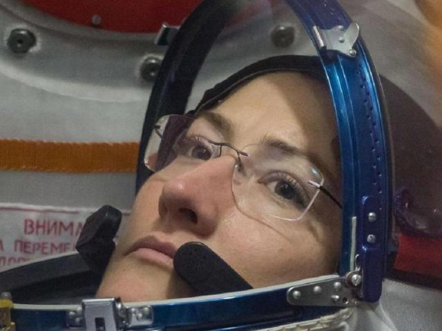 christina koch to make world record by being the women in space for longer duration
