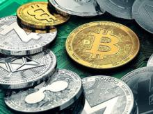 'Flight to safety:' Bitcoin becoming digital gold as dollar weakens