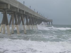 Wave crashing at Johnnie Mercer's Pier 1230p 9-5
