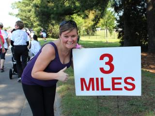 Barbie Crews @ 29 weeks finishes the 5k smiling