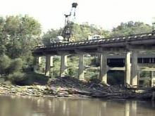 U.S. 401 bridge closed to remove river debris