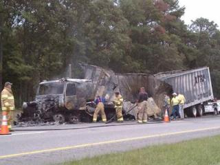 Tractor-trailer wreck on I-95 N