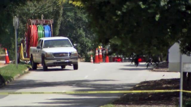 Gas leak shuts down Glenwood Ave