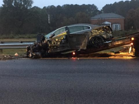 Man bails from car on I-95 to avoid head-on crash with second tractor-trailer