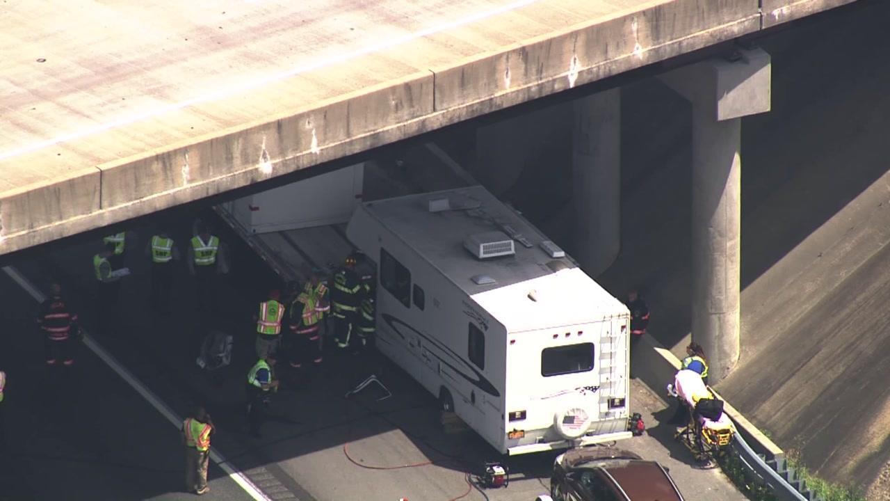 All lanes of I-95 back open after big rig crash in Johnston County