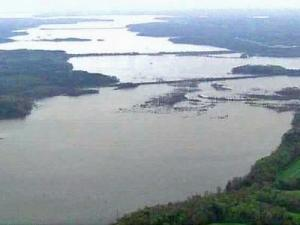 A Sky5 flyover of Falls Lake on April 7, 2008, two days after it became full for the first time since May 2007.