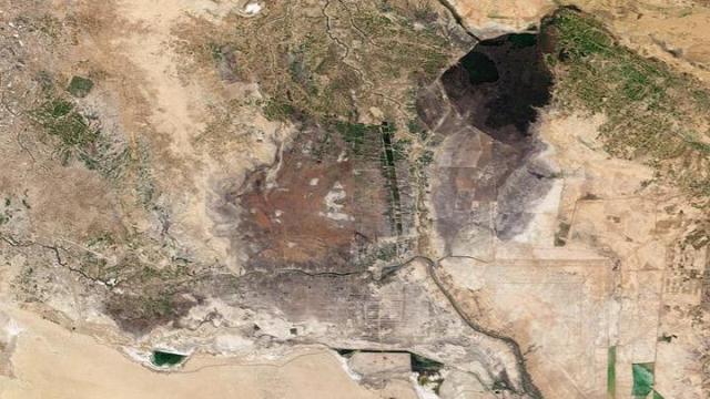 Terra image of Iraqi marshland, February 2001
