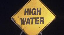 Flooding generic, high water sign