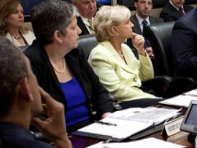 Gov. Bev Perdue meets with officials with the Federal Emergency Management Agency and President Barack Obama in Washington D.C. on June 1, 2011.