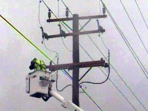 Progress Energy works to restore power