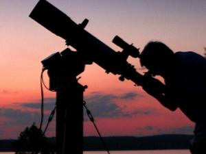 Morehead Planetarium Skywatching sessions at Jordan Lake (credit: Lee Capps)