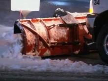 Spring snow storm dumps snow across Midwest, Northeast