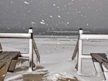 Snow falls on Outer Banks