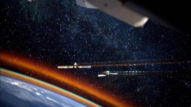 Astronaut Reid Wiseman tweeted this image of 'airglow' around the Earth.