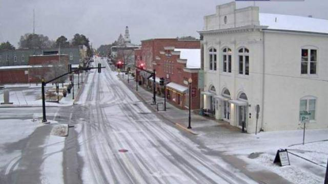 Snow and sleet in downtown Apex