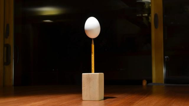 Peter Juhl succeeded in balancing an egg on the point of a pencil (in late February)