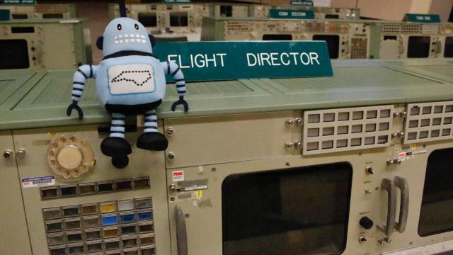 Jim Lovell: Apollo 13 speaks of NASA teamwork