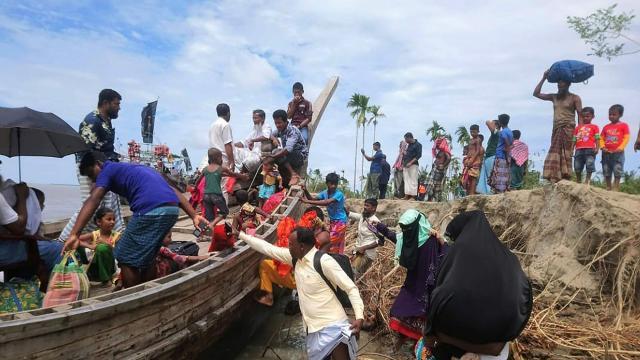 Cyclone Amphan makes landfall in India and tracks for Kolkata