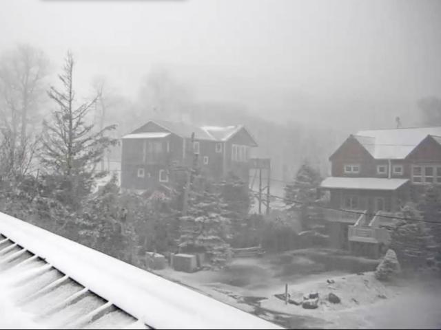 Snow falls, sticks in Beech Mountain, NC.