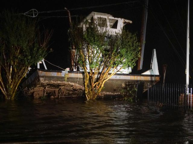 Damage to a structure in New Bern due to Tropical Storm Florence <br/>Web Editor: Kyle Morton