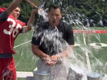 Mark Thomas takes Ice Bucket Challenge