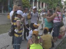 Church group cheers in Havana as Pope Francis arrives