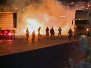 RAW: Protesters block highway after Charlotte police shooting
